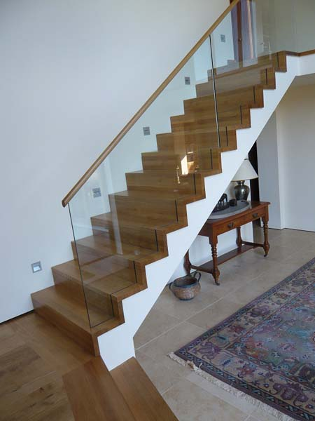 Oak staircase Glass ballustrade